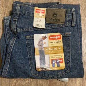 Men's Wrangler Relaxed Fit Jeans 34x34 NWT